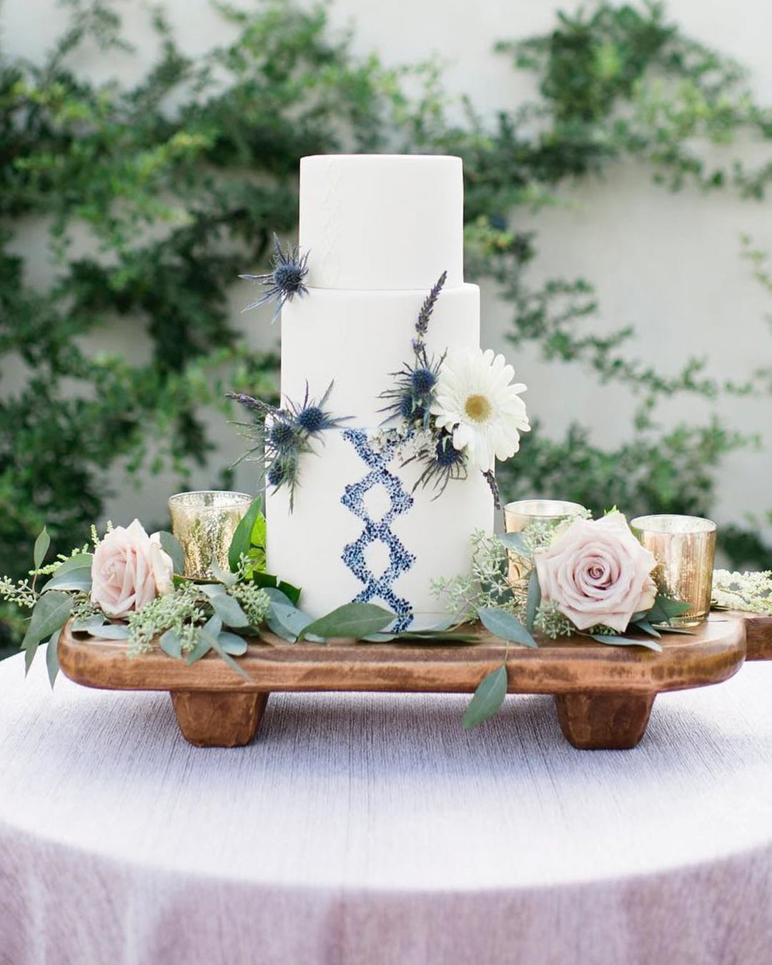 rustic wedding ideas greenery flowers cake pattern