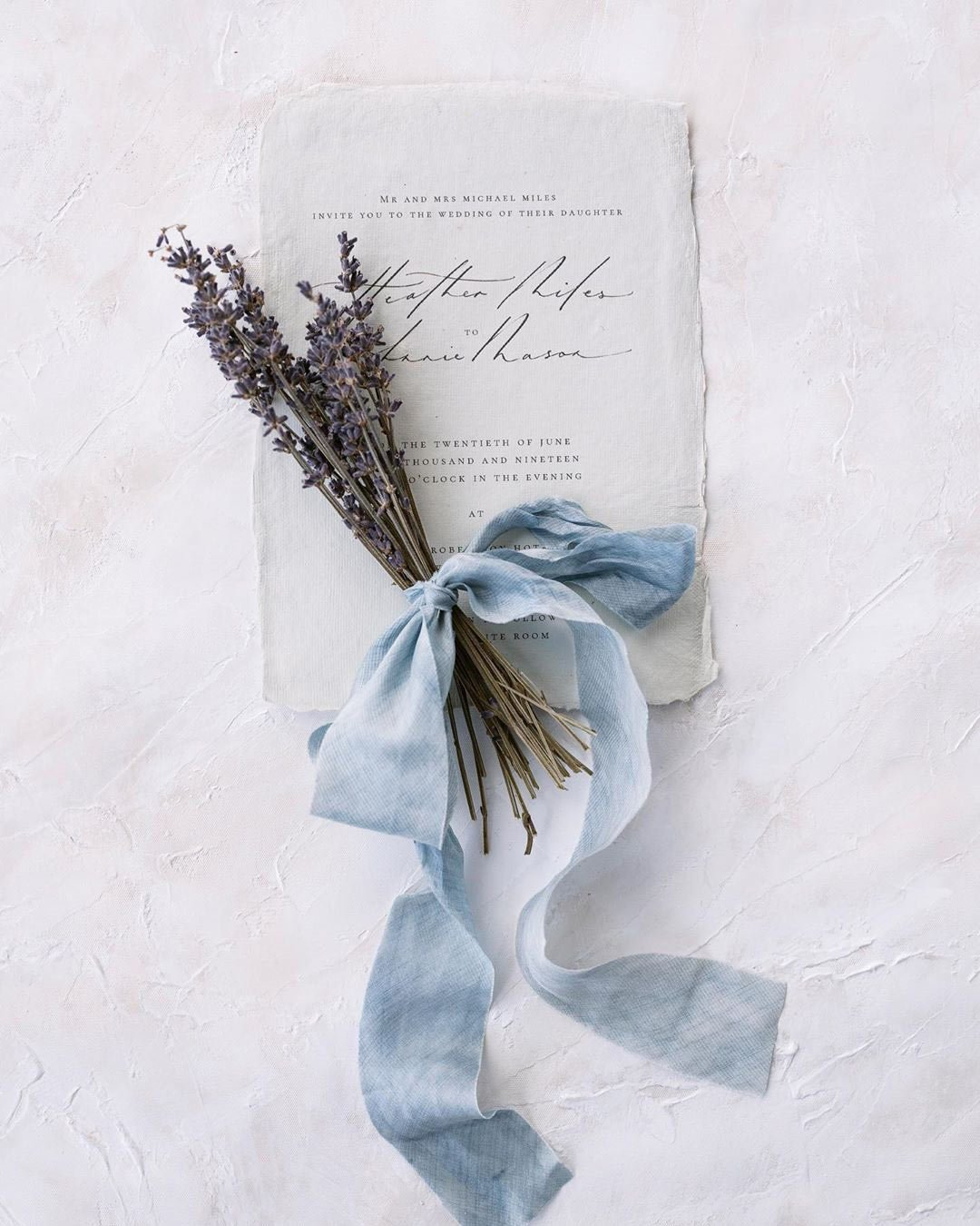 rustic wedding ideas invitation flowers ribbon