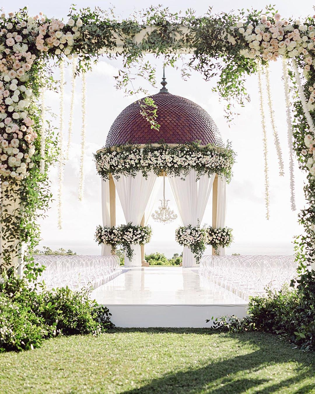 75 Trendiest Wedding Themes In 2020/2021 For Every Bridal Style