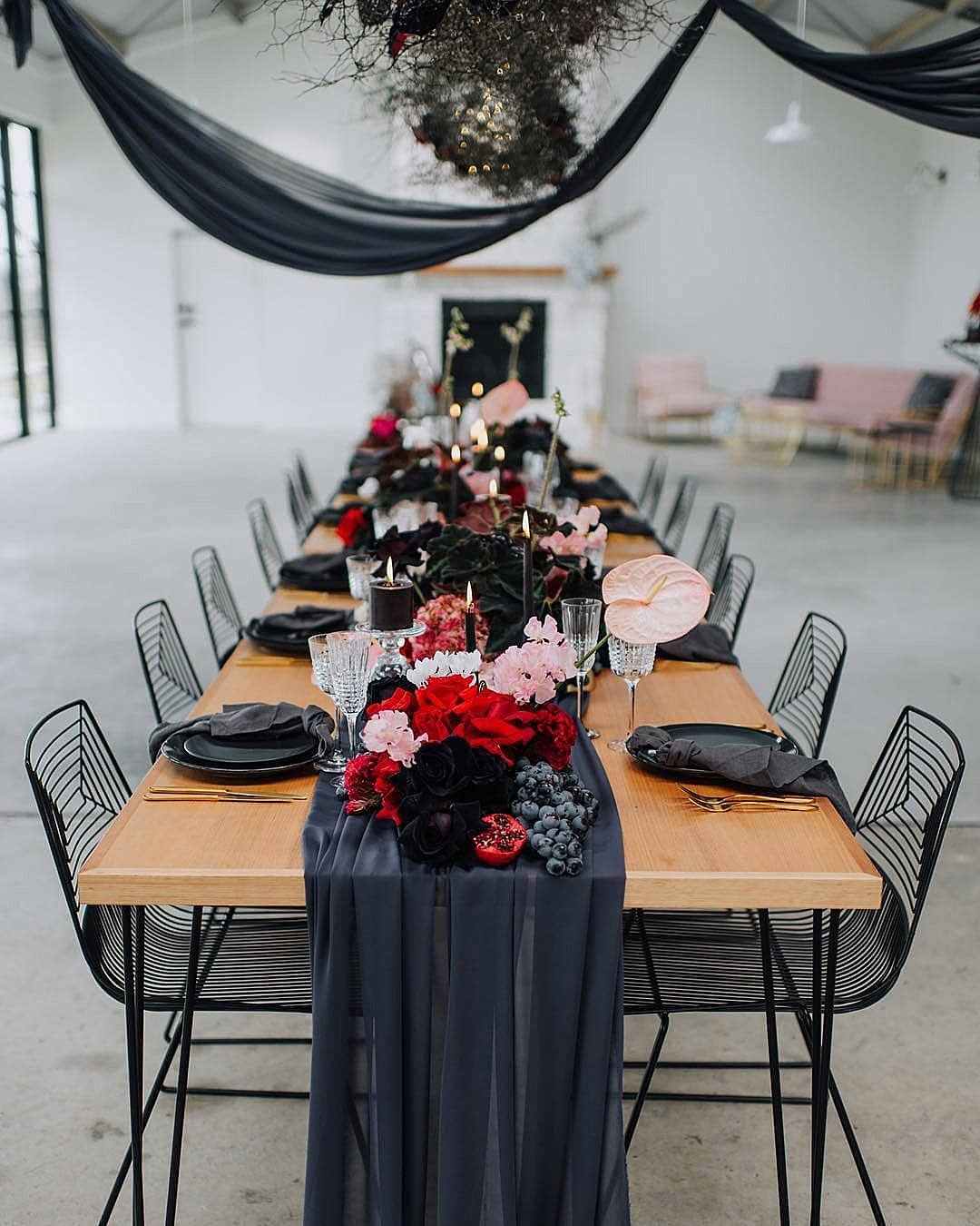 wedding trends dark wedding table setting