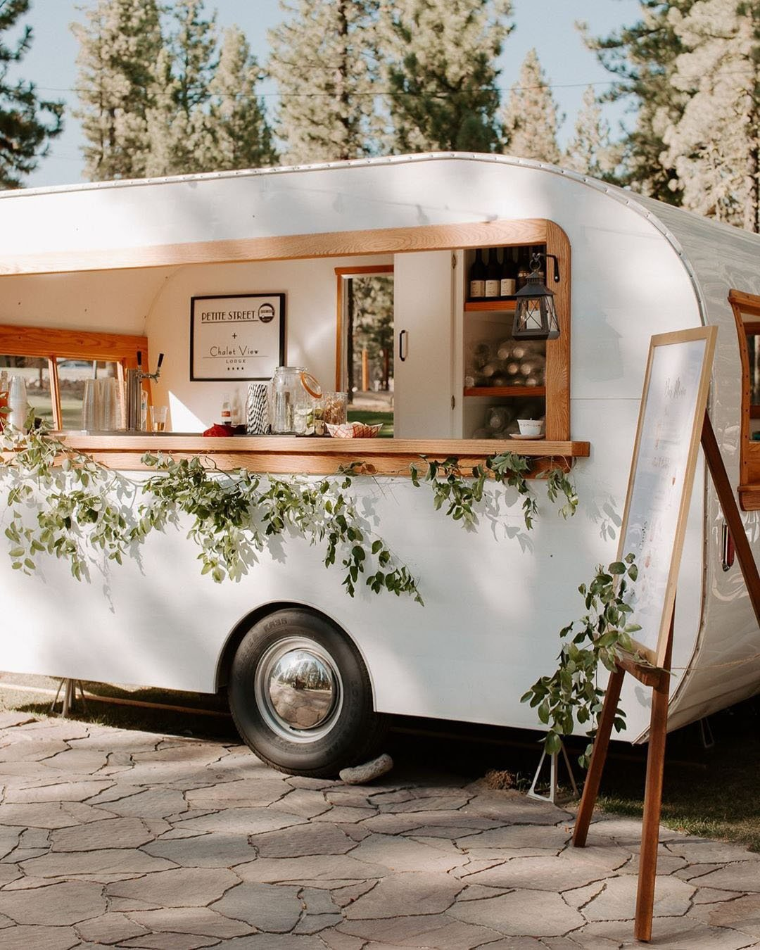 wedding trends food truck outdoor wedding