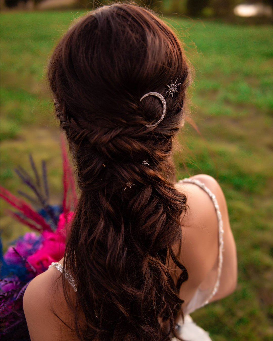 wedding trends hairstyle eclectic theme bride