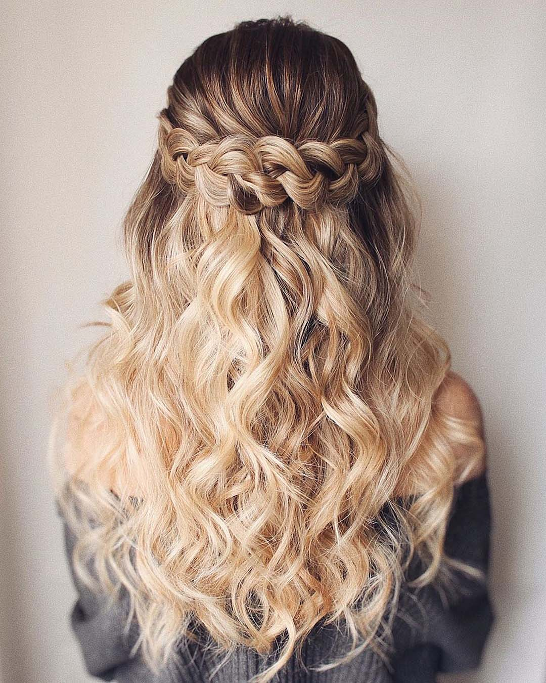 wedding trends half up half down curly hair