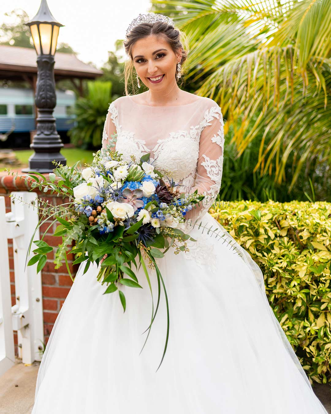 blue and white wedding colors bride bouquet