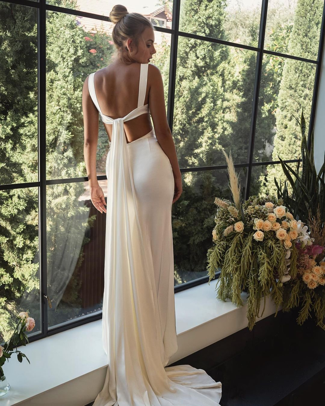 best wedding dresses simple sheath backless beach leegrebenau