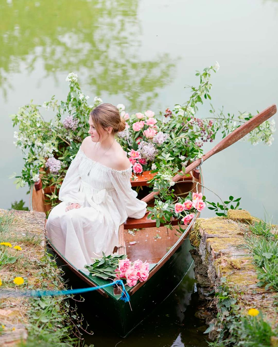wedding trends boat flowers decor