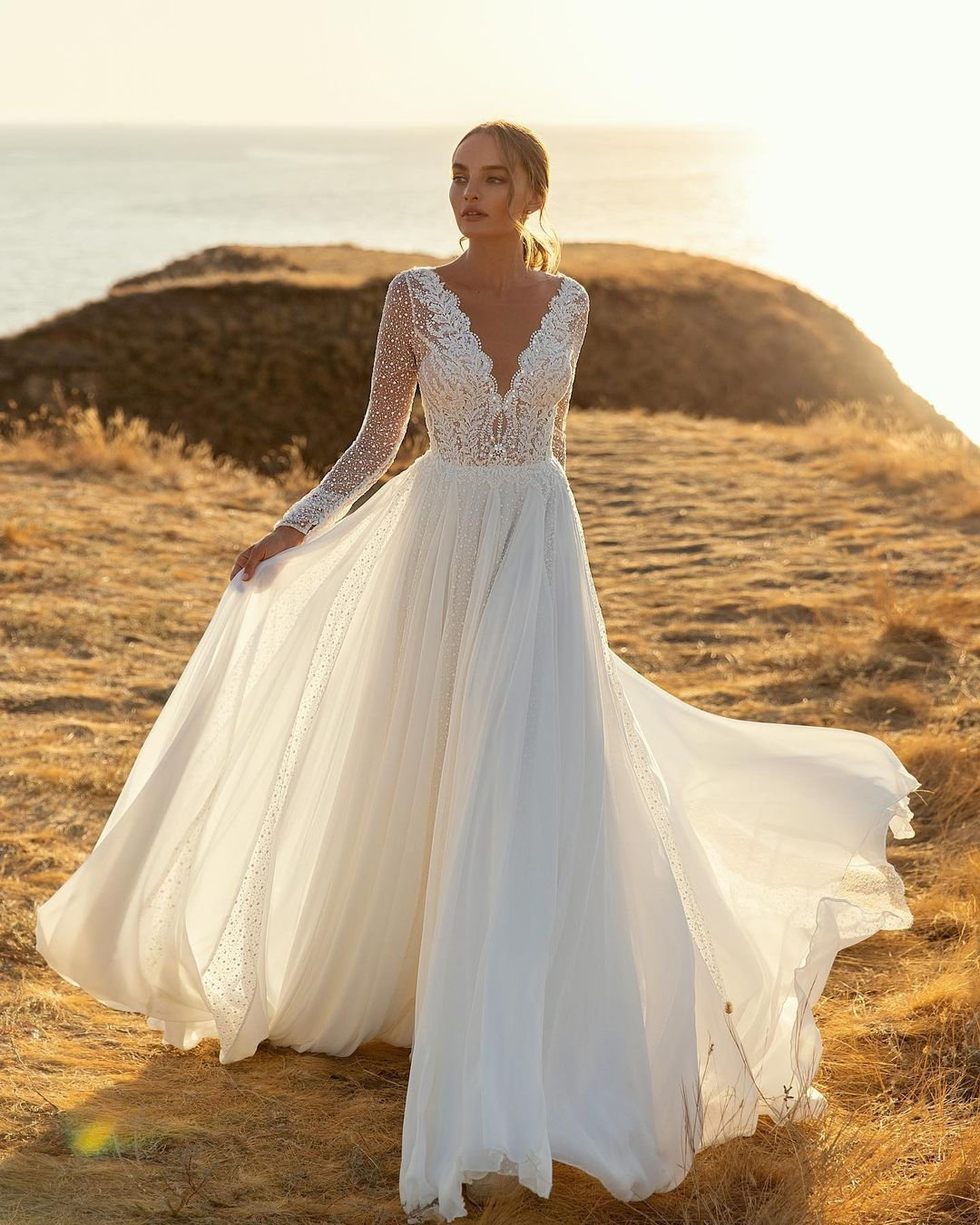 beach wedding dresses a line with long sleeves lace luce_sposa