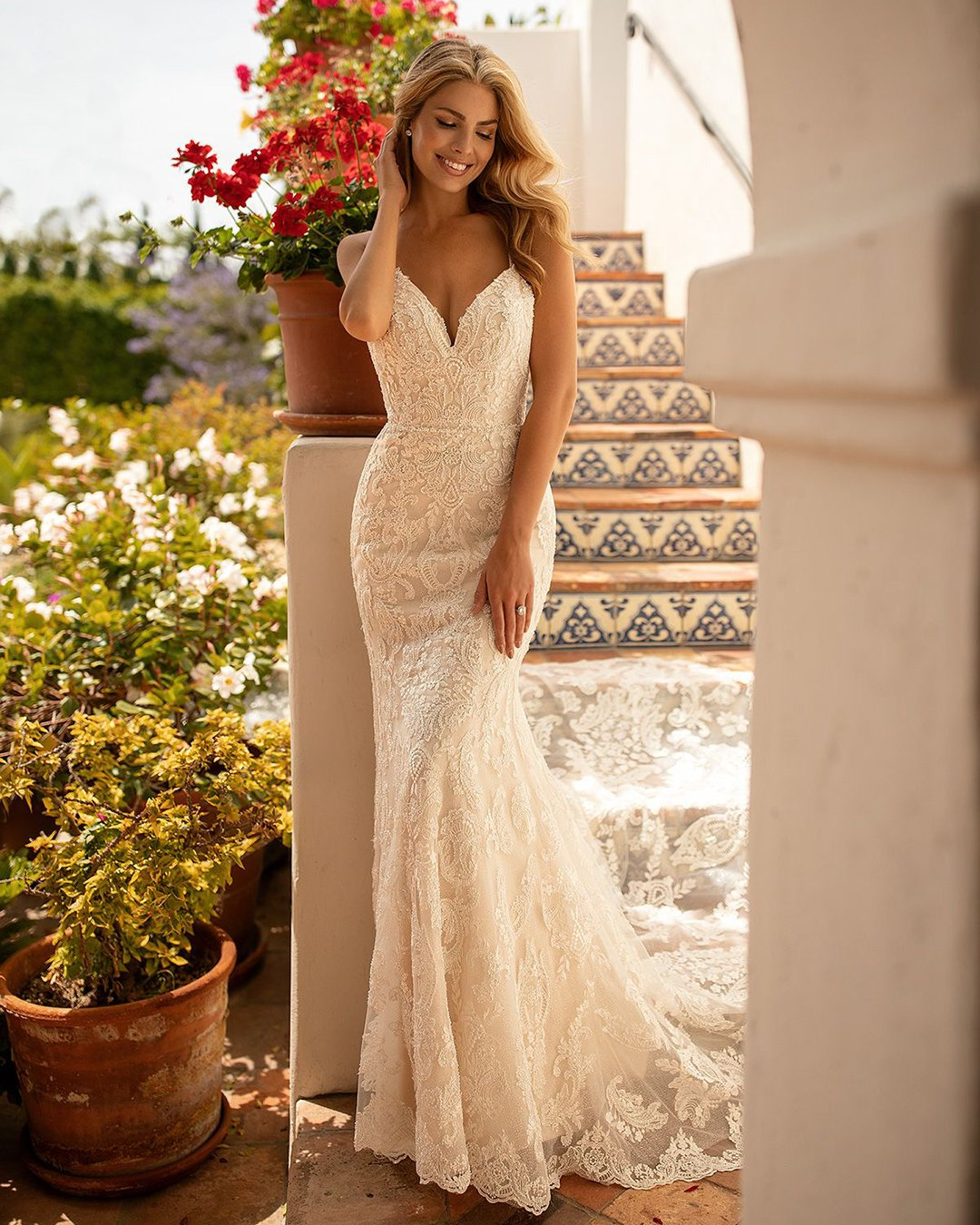 beach wedding dresses sheath with spaghetti straps lace moonlight