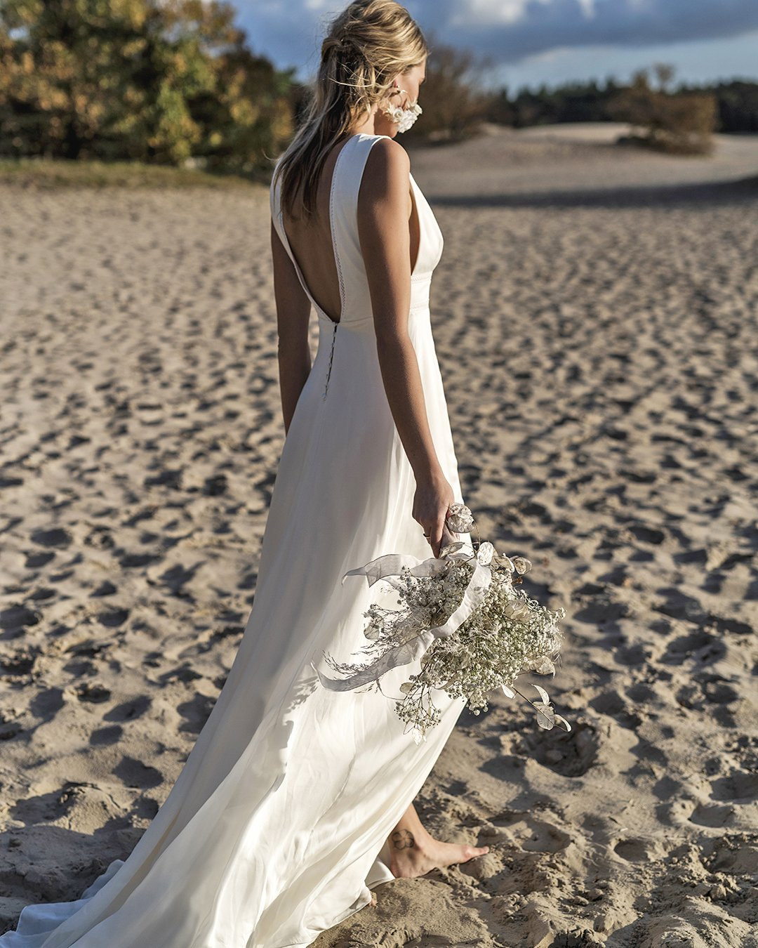 beach wedding dresses simple v back sheath harpe paris