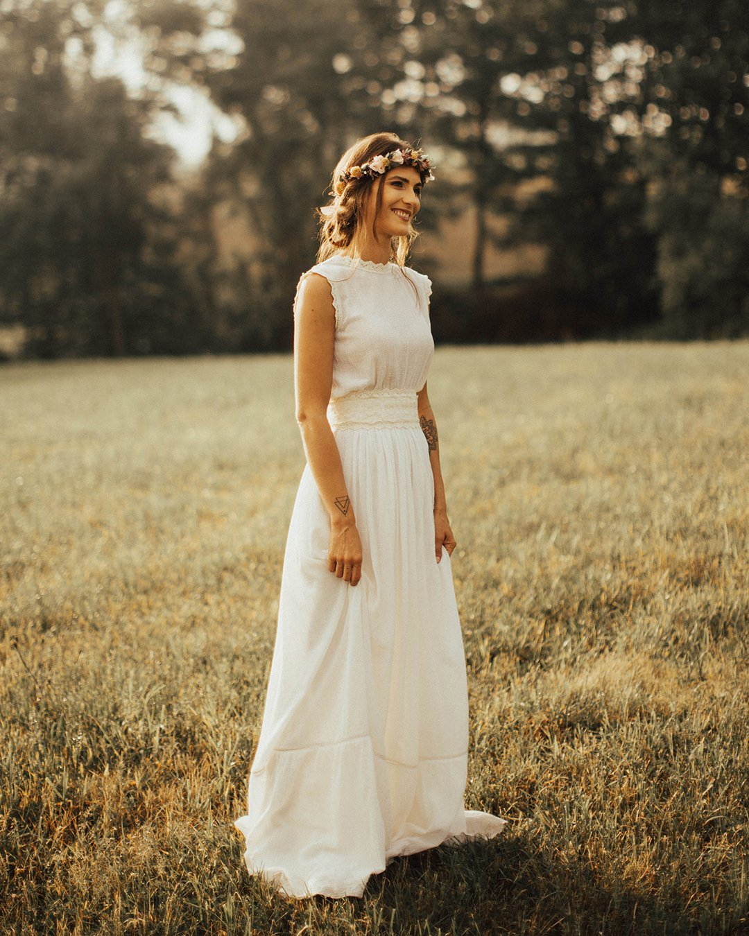 modest wedding dresses a line simple rustic bohemian lukasleontephotography