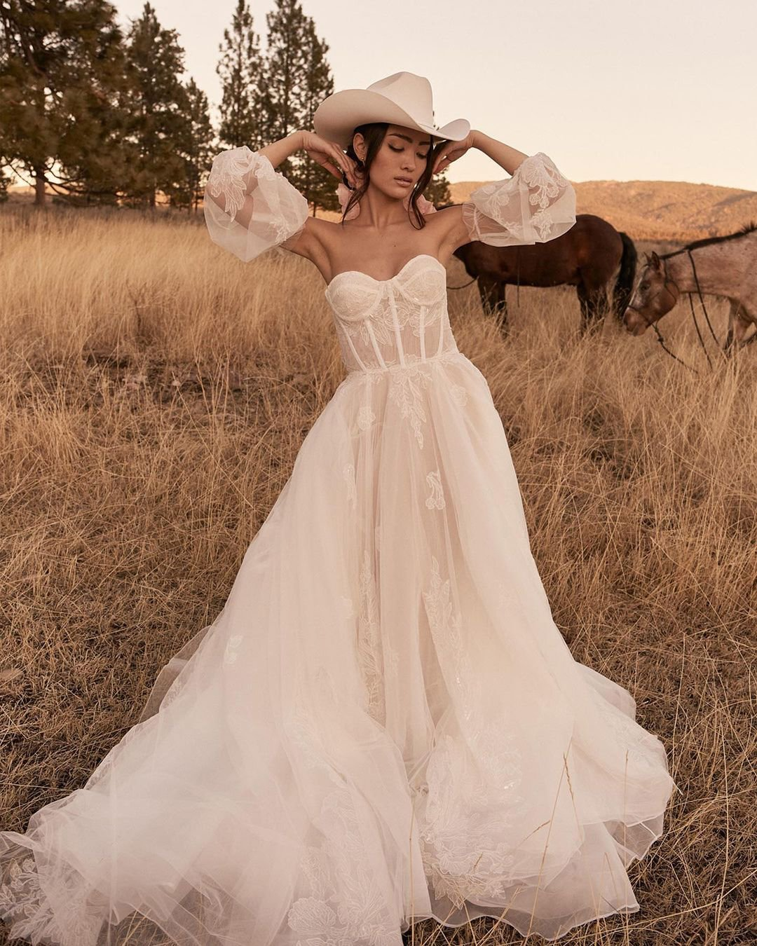country style wedding dresses a line with puff sleeves sweetheart neckline barn tara_lauren