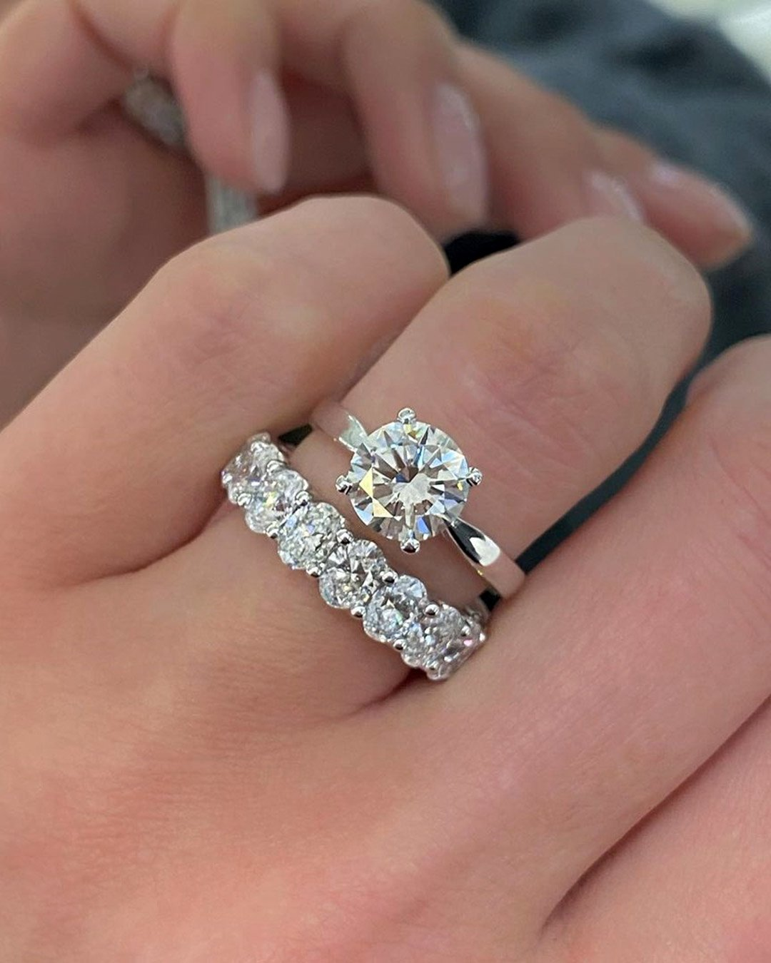 round engagement rings white gold wedding ring sets