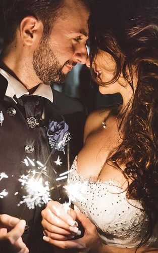 sparkler photo ideas tips featured matteocestraphoto