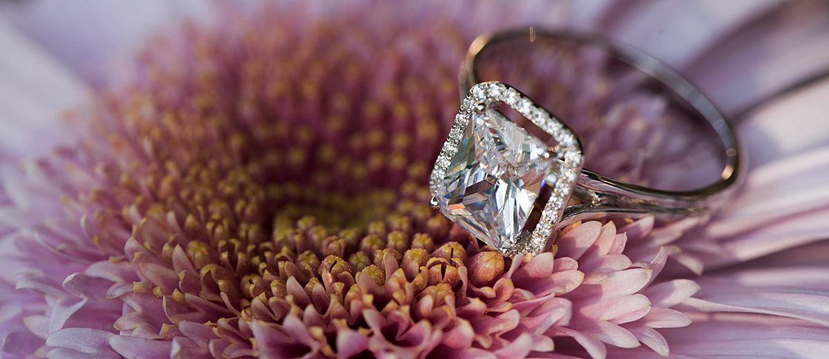 39 Vintage Engagement Rings With Stunning Details