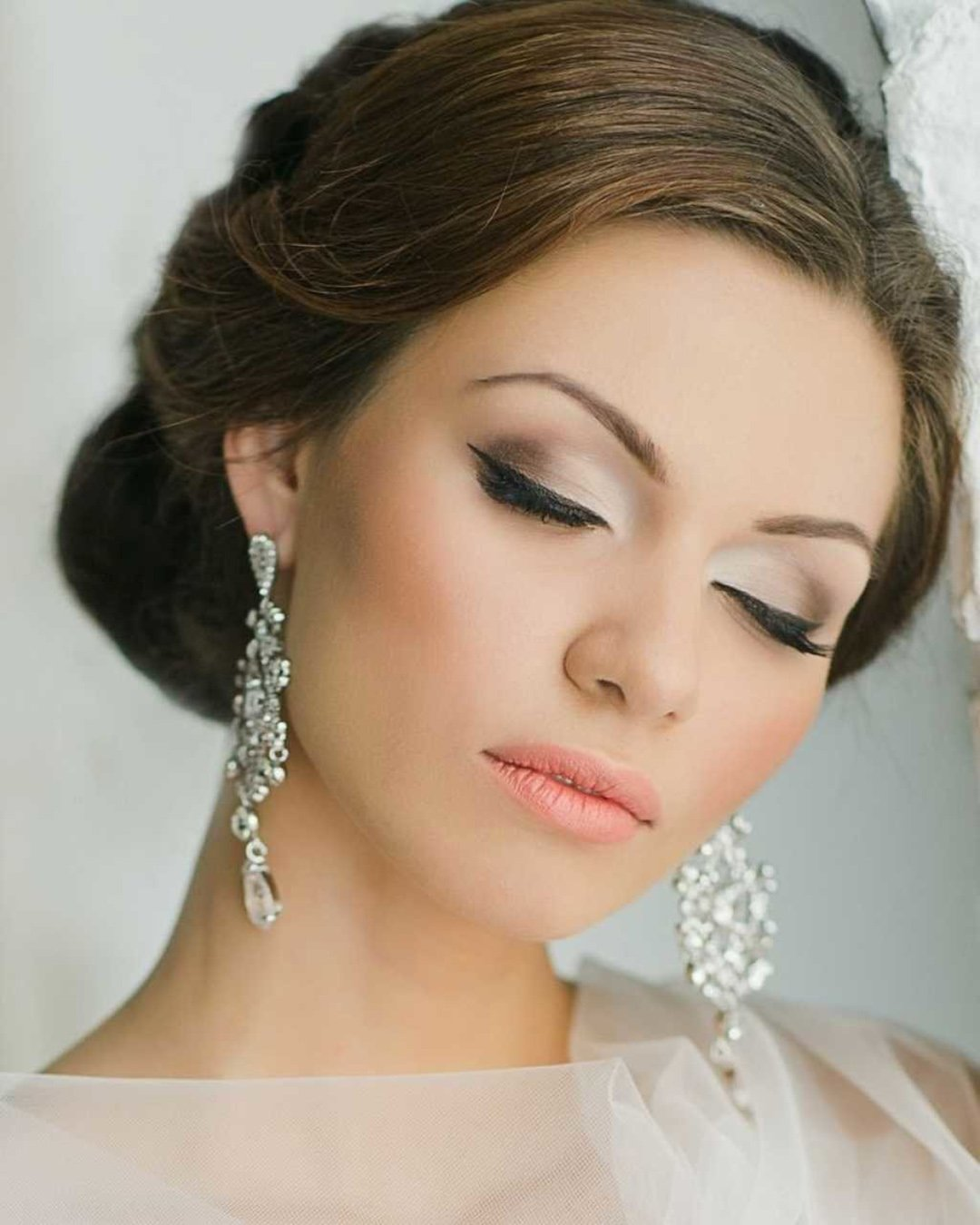 wedding makeup elegant matte with arrows pink lips elstile