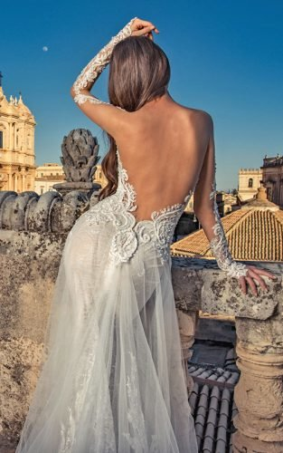 backless wedding dresses featured