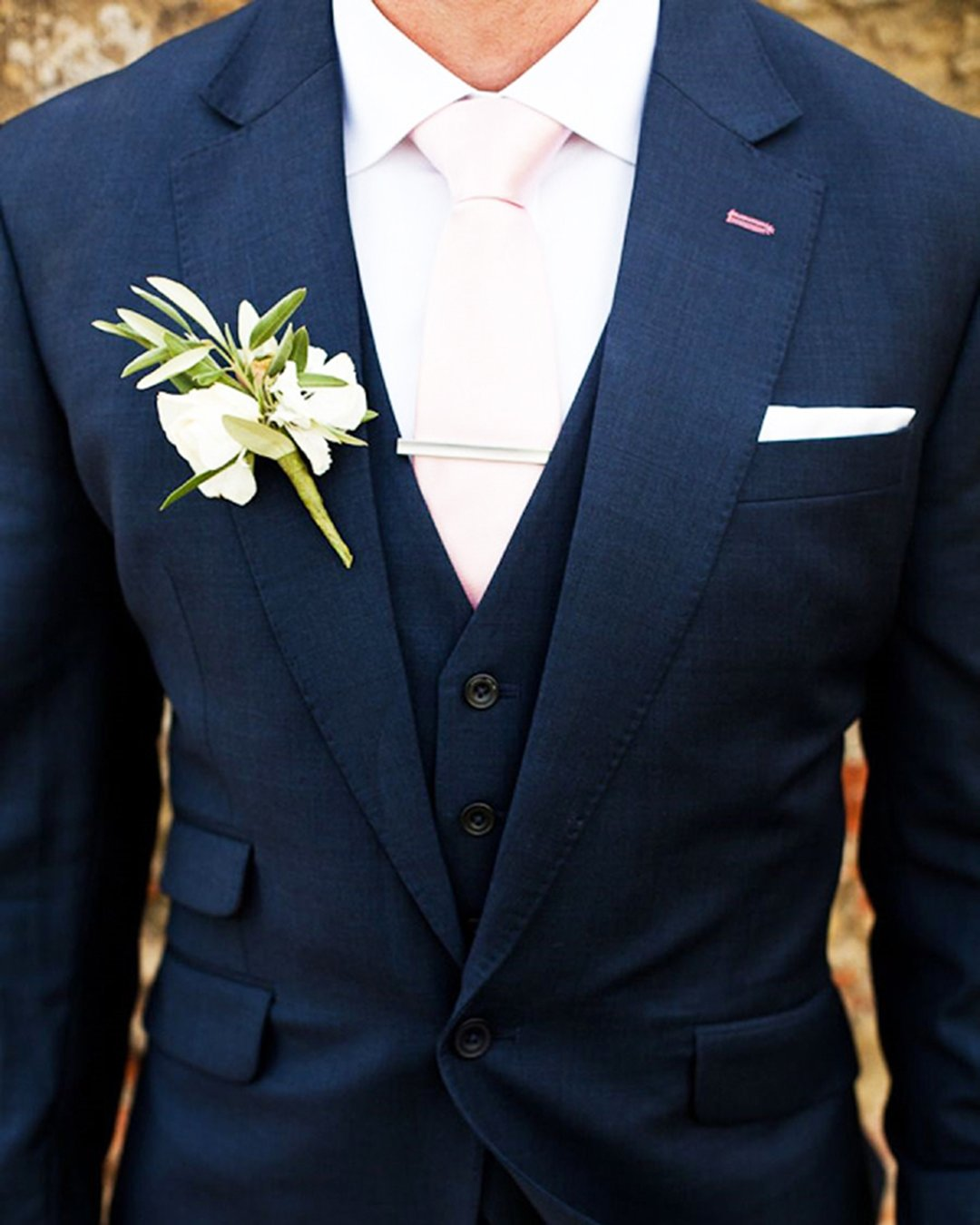 groom suits navy with tie jacket and boutonniere m and j photography