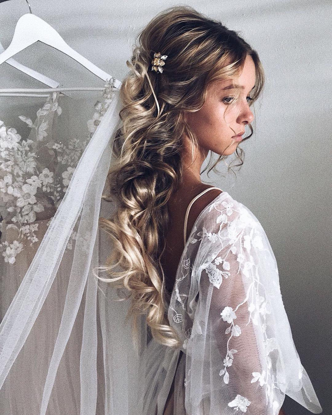 half up half down wedding hairstyles curly vith veil ulyana.aster
