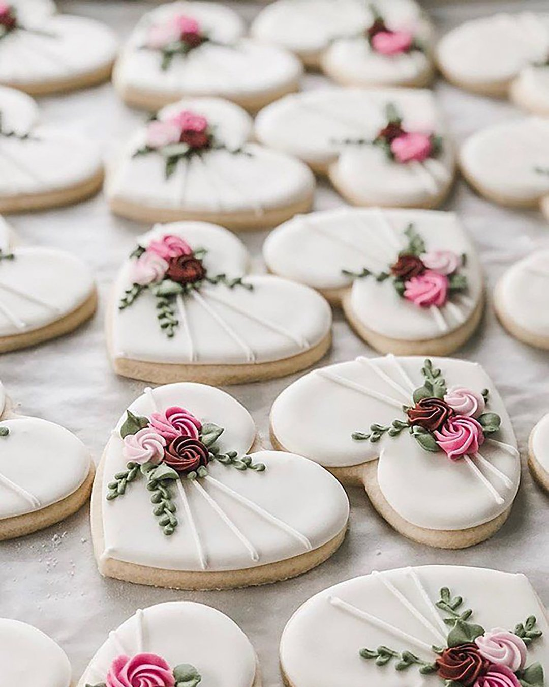 non traditional wedding dessert ideas hearts shaped cookies k sweetdesigns