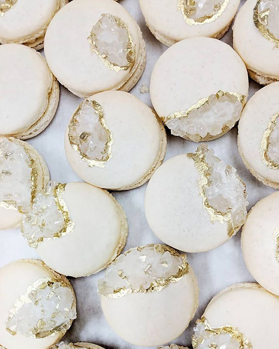 non traditional wedding dessert ideas white gold macaroons with geode mac lab