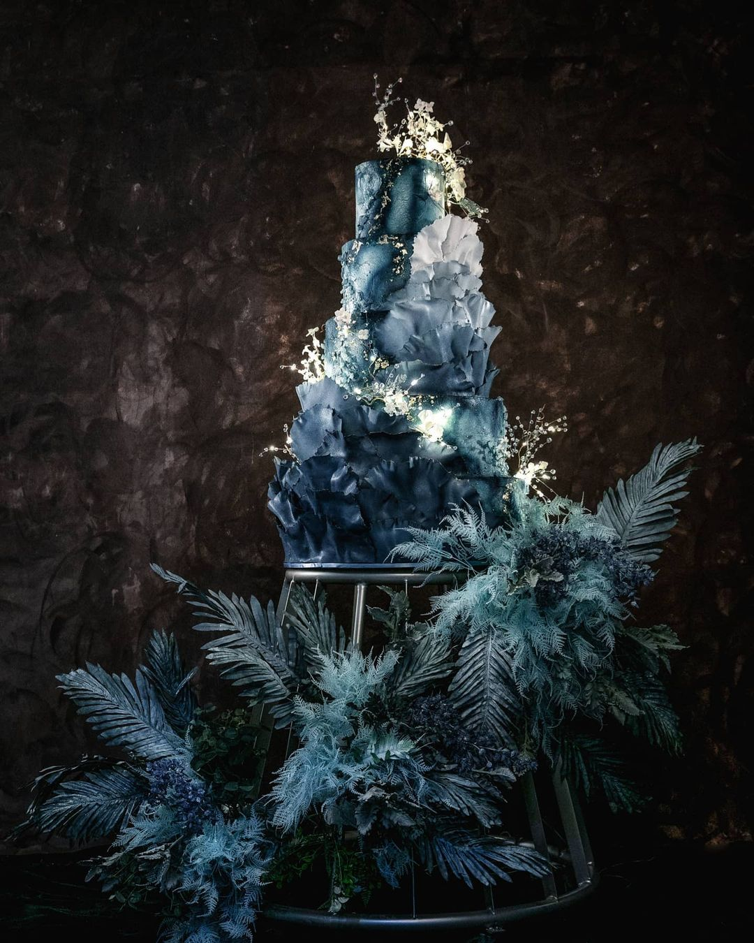 wedding cake trends dark blue boho cake lenovellecake