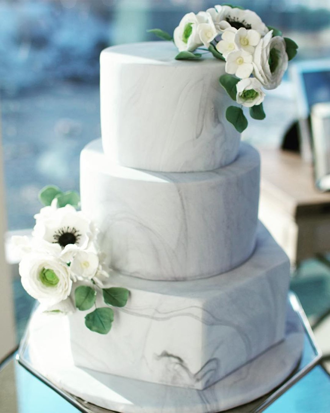 wedding cake trends marble grey cake wellingtoncakes