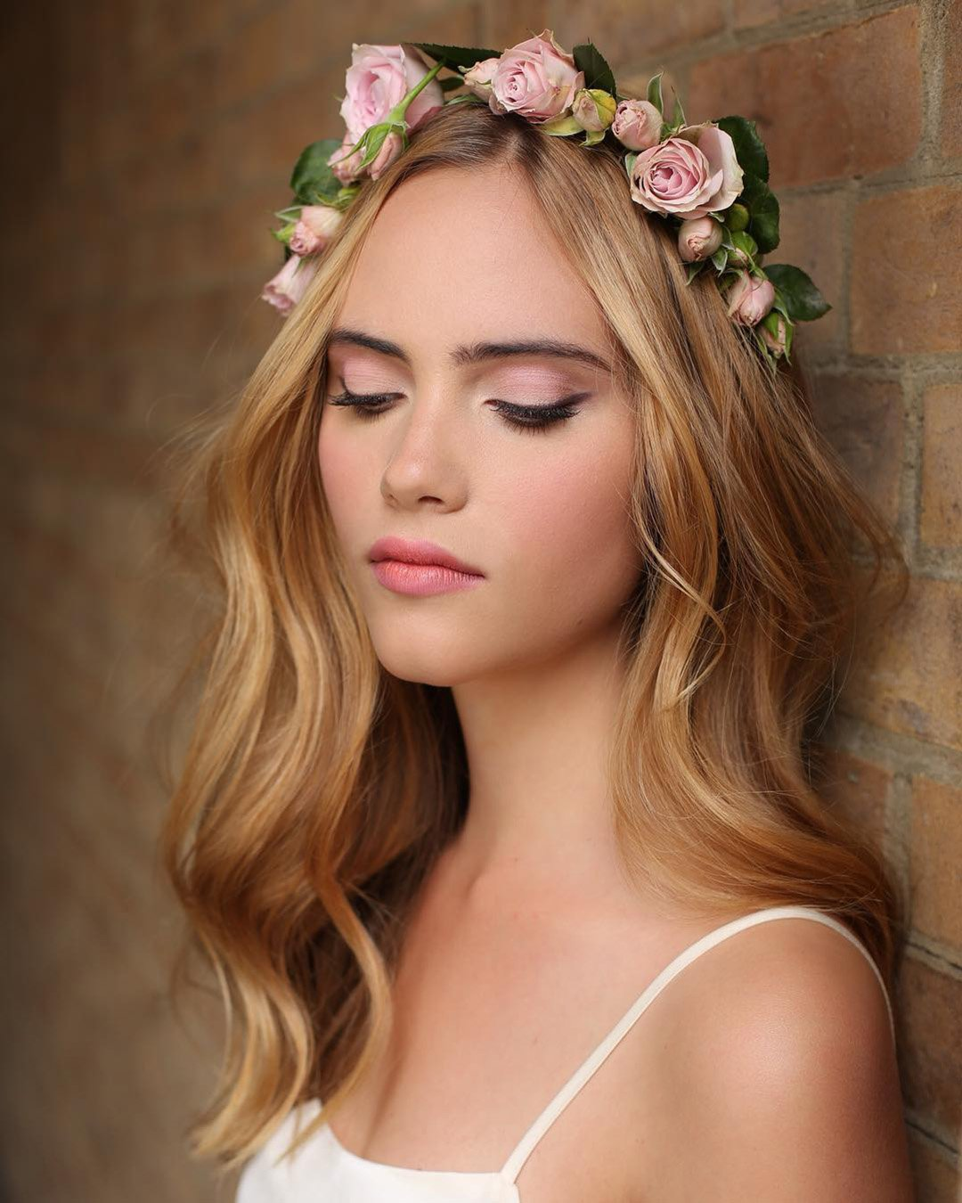 boho wedding makeup natural pink shades with arrows and pink lips kristinagasperasmua