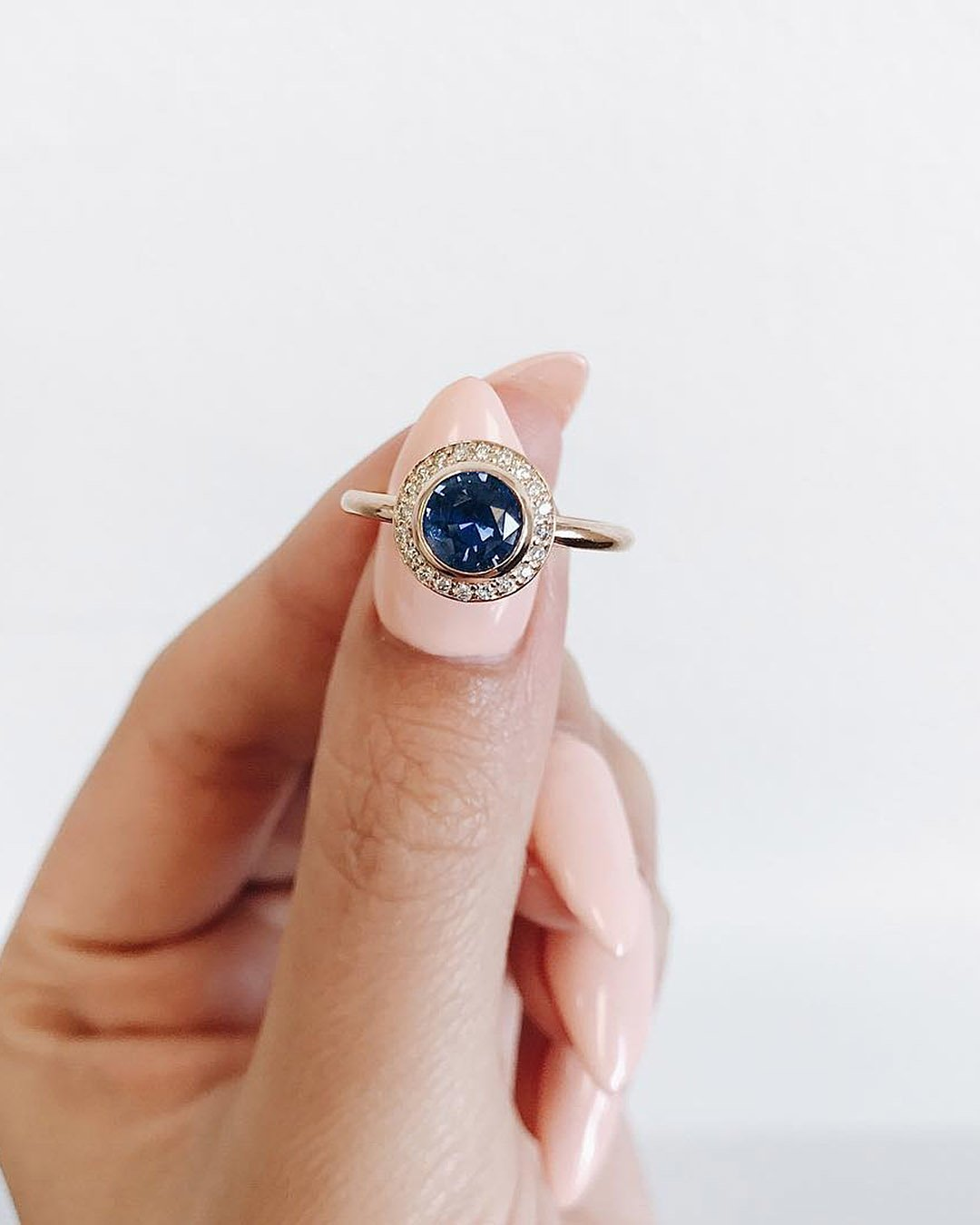 halo engagement rings sapphire round cut gold