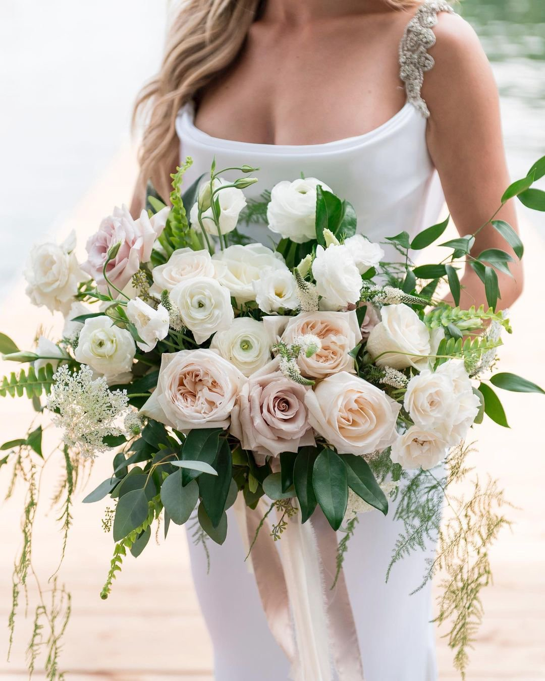 nude wedding photos rose greenery bouquet rachelaclingen