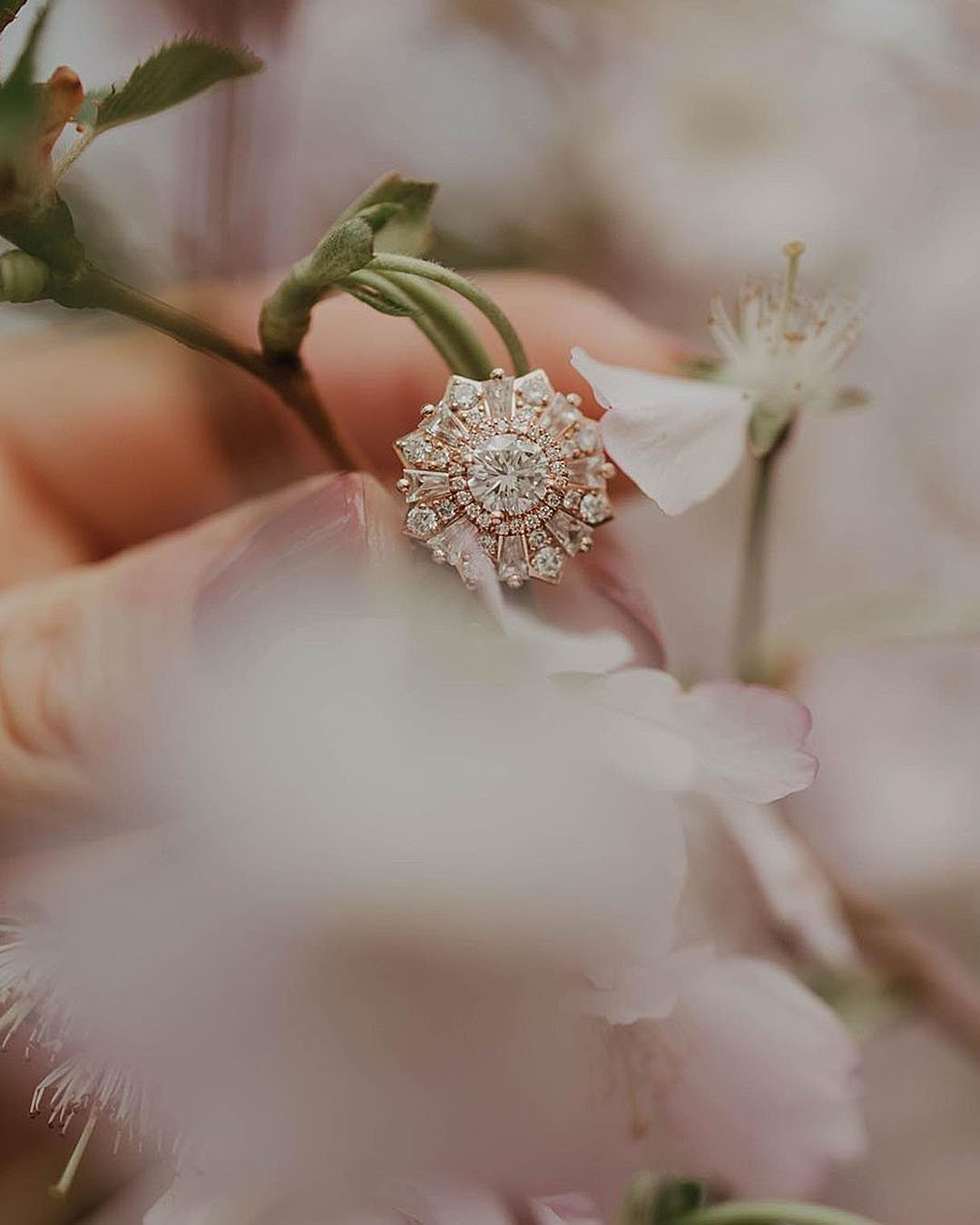 unique engagement rings halo rose gold