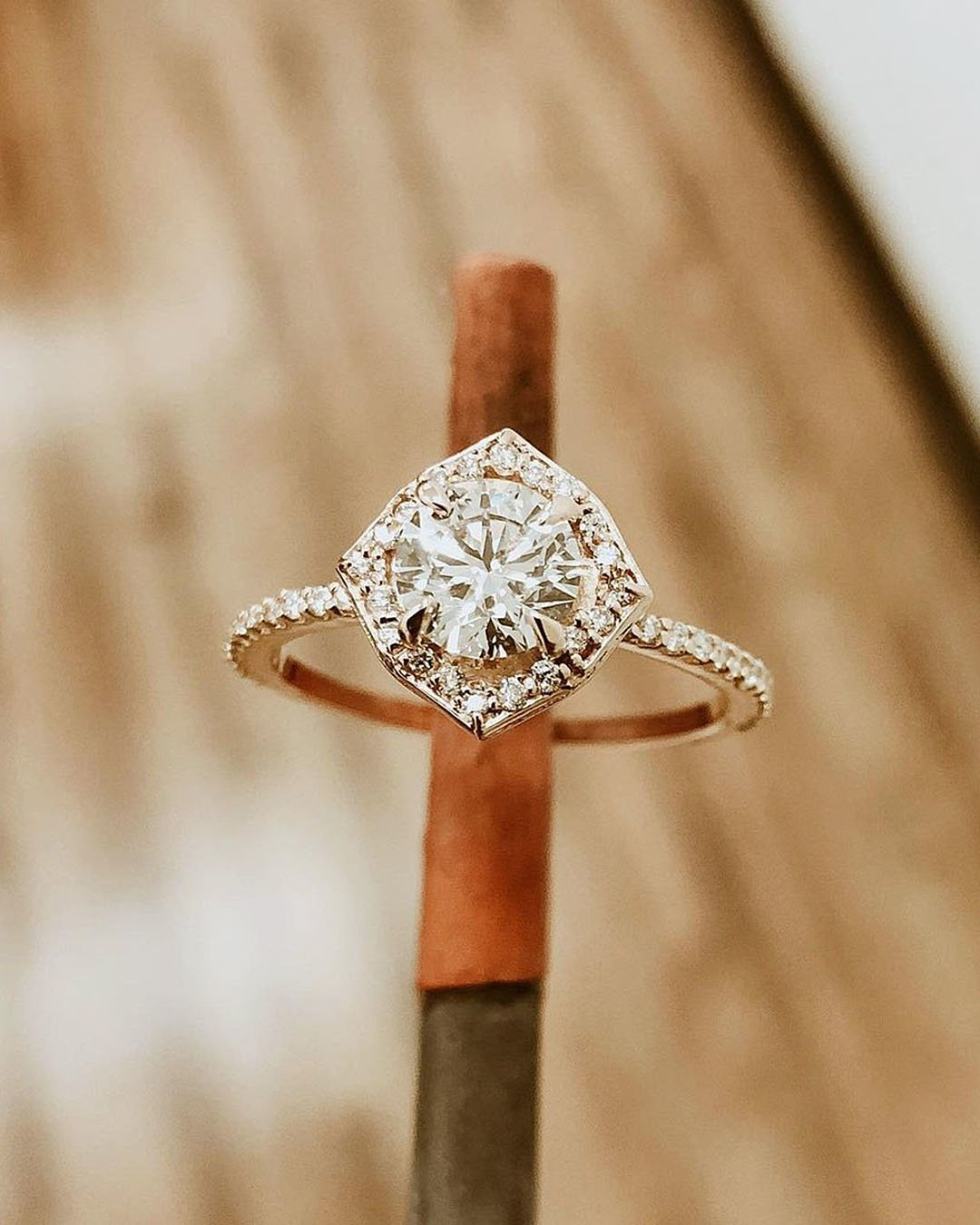 unique engagement rings rose gold round cut diamond
