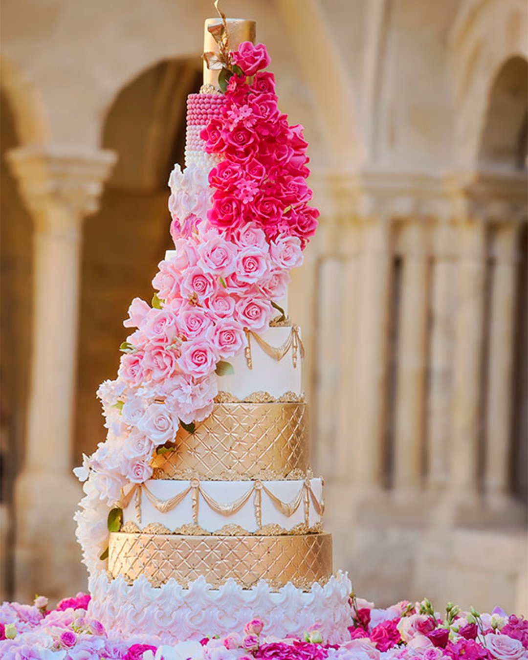 wedding cake trends Floral cascade wedding cake Elizabeths Cake Emporium