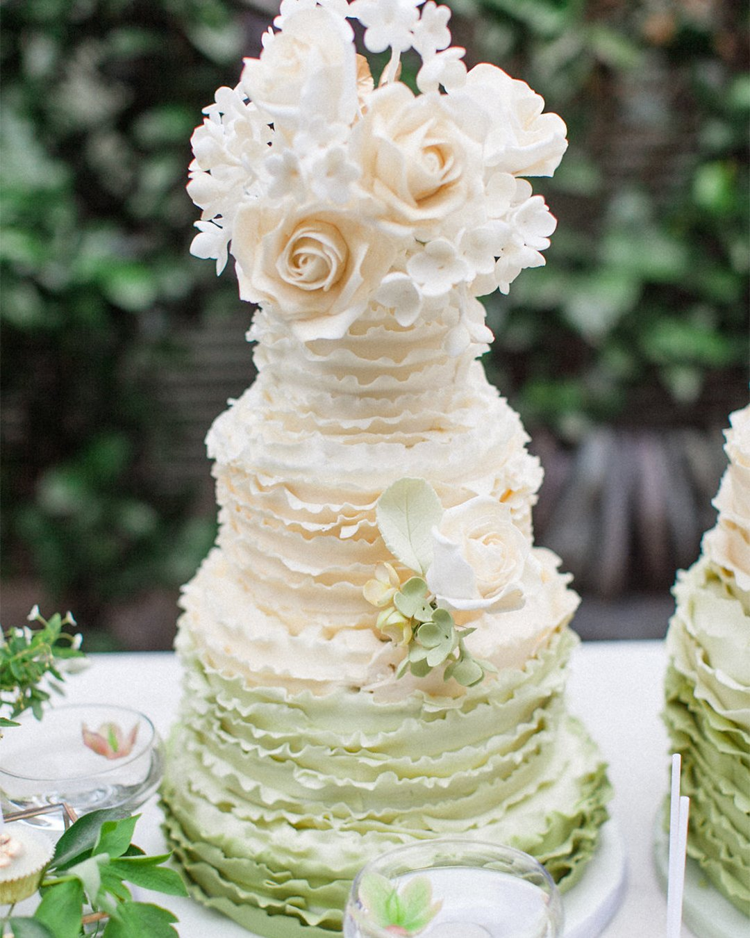 wedding cake trends Ombre wedding cake elizabethscakeemporium