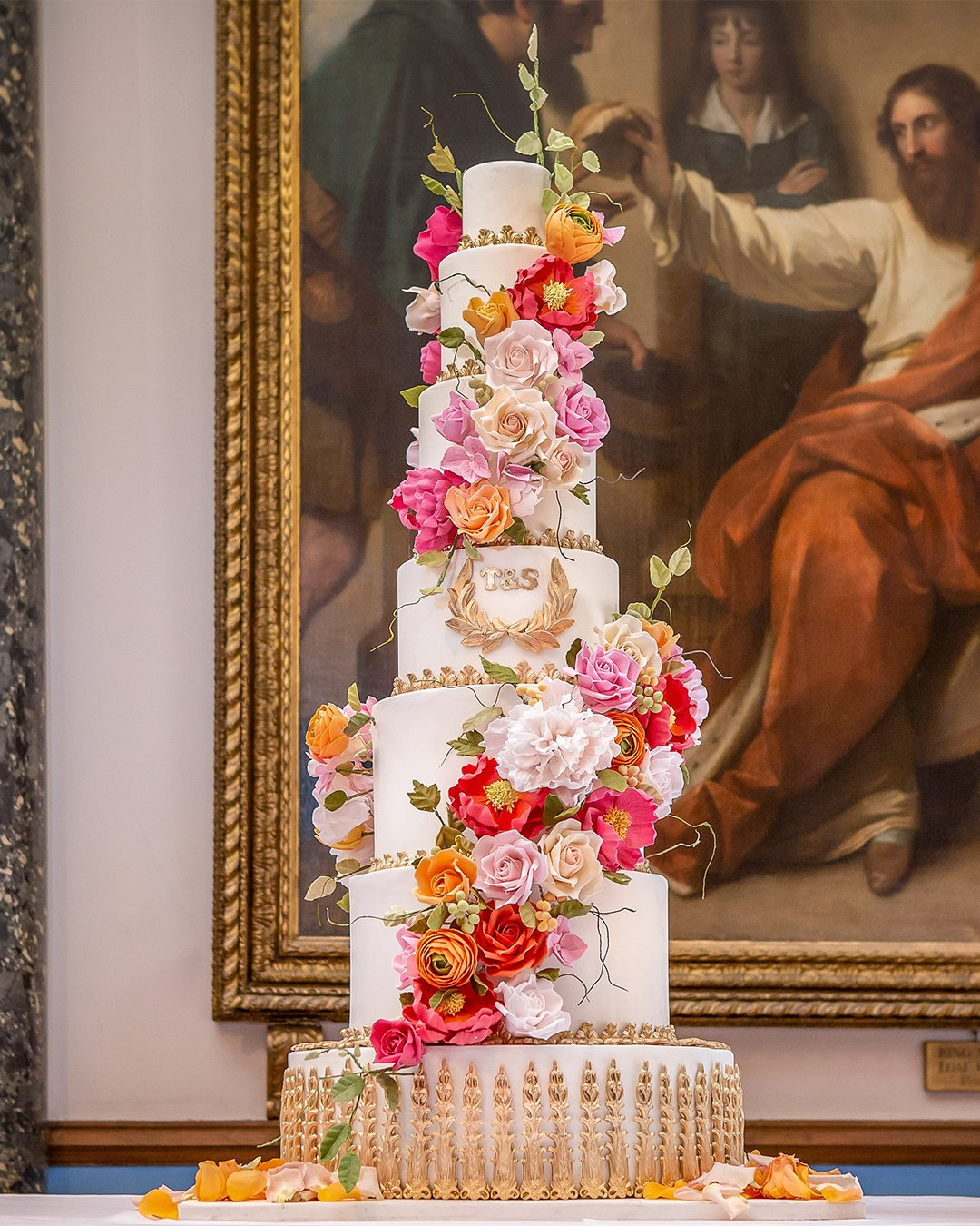 wedding cake trends double cascade sugar flower wedding cake elizabethscakeemporium